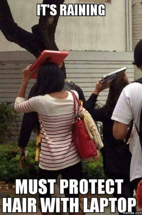 Protect hair from rain with laptop